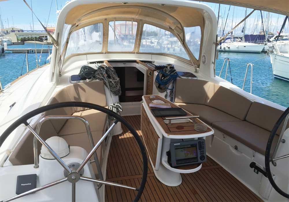 S/Y Oceanis 50 Cruises in the Greek islands