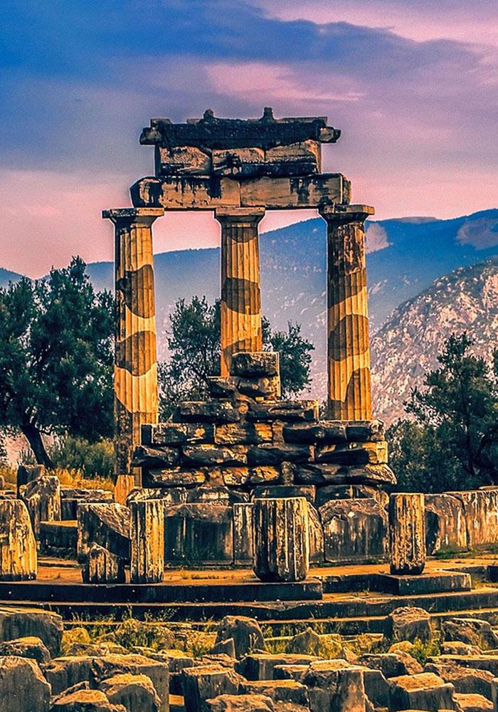 Classical tour Greece Delphi