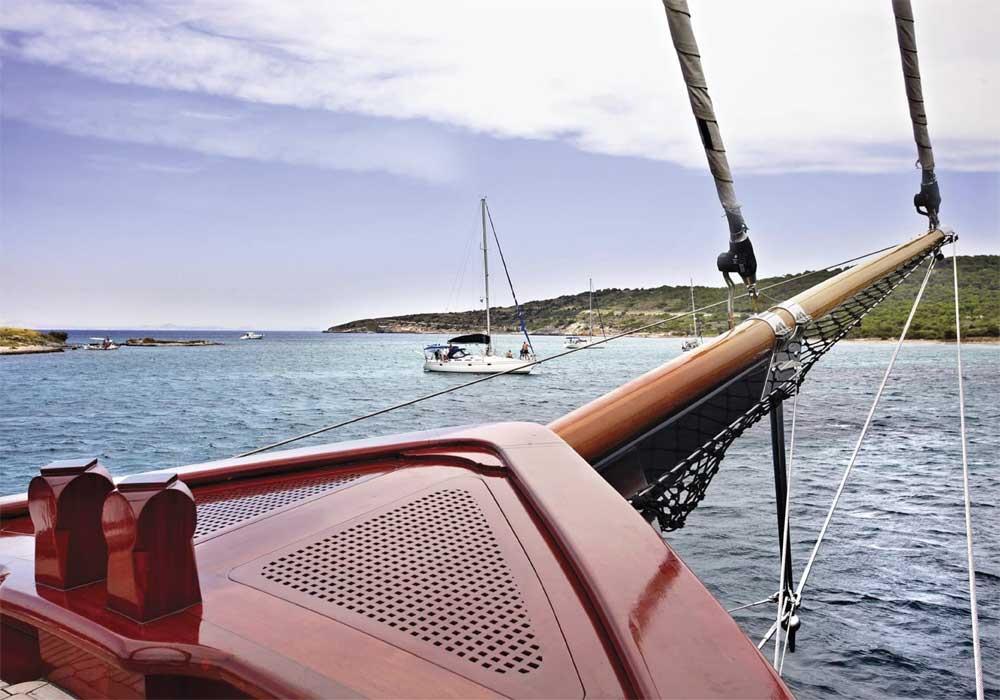 M/S Iraklis L Cruises in the Greek islands